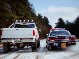Ford F250 vs 2x Ford Crown Victoria Police Interceptor